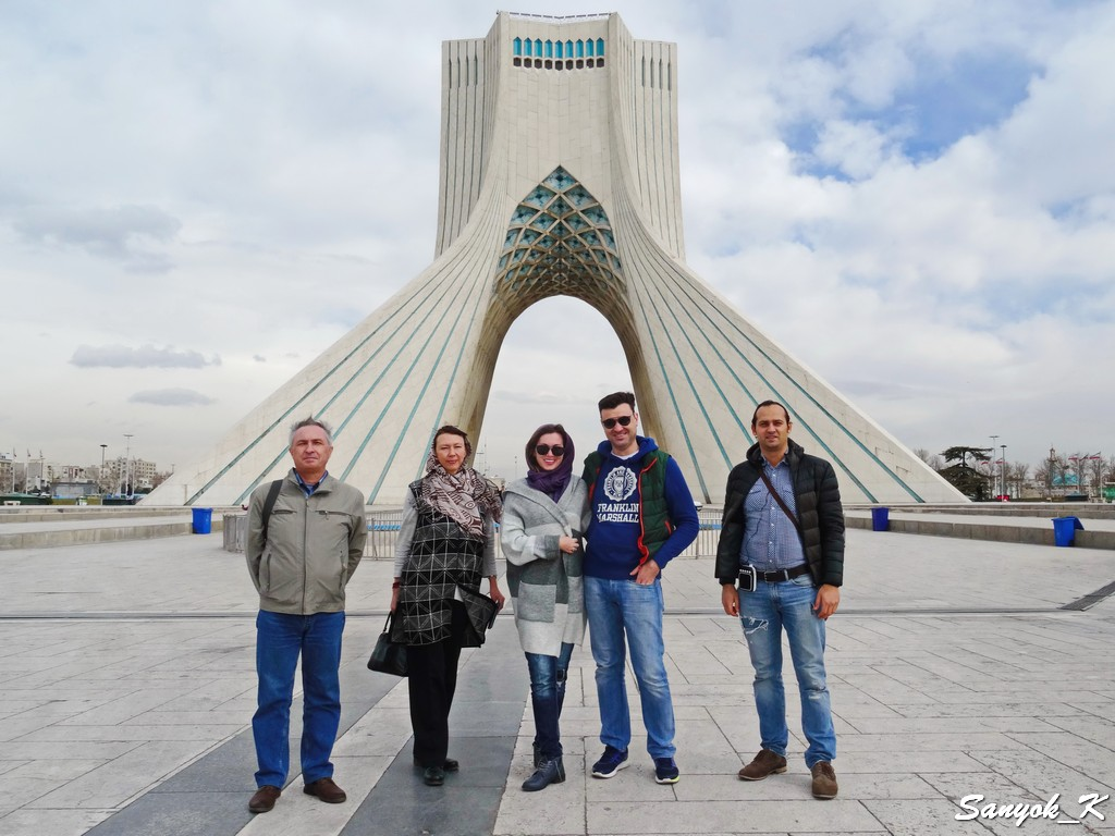 0101 Тур в Иран 2018 Tehran Azadi Tower
